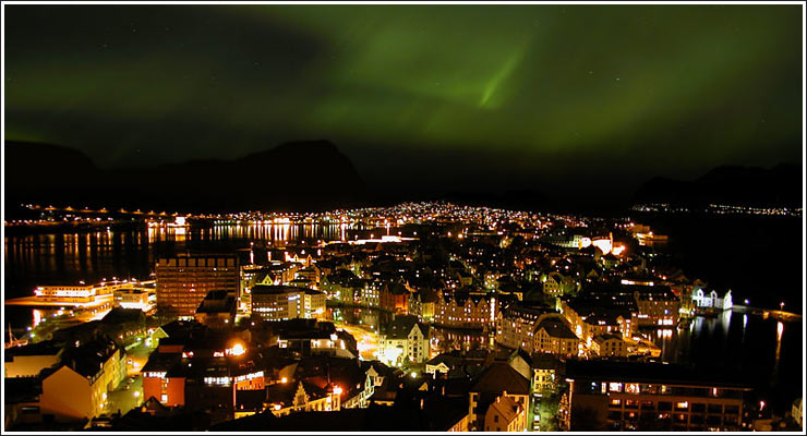 Aalesund by night